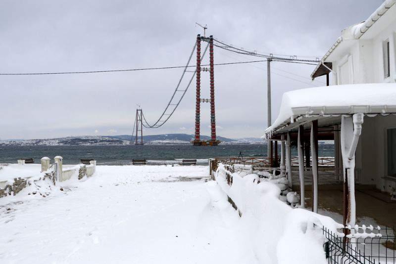 1915 Çanakkale Köprüsü'nde kar manzaraları