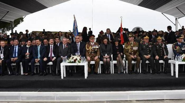 Çanakkale Kara Savaşları'nın 104'üncü Yıl Dönümünde Gurur ve Hüzün Bir Arada
