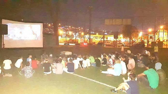 Açık Hava Sineması, Bigaspor Yaz Futbol Okulu Öğrencileri Tarafından İlgiyle Karşılandı