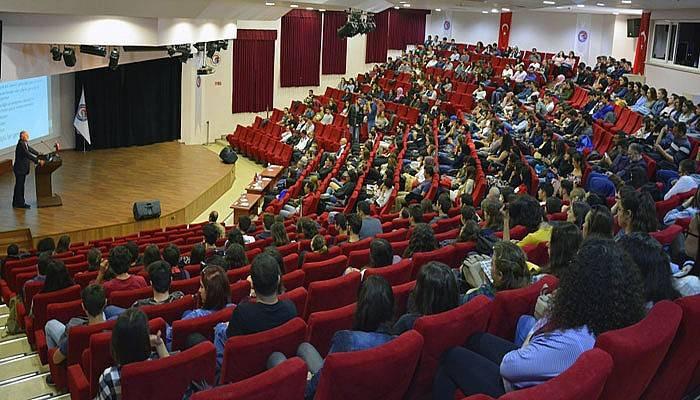 ÇOMÜ'de Gençlik ve Geleceğimiz Konferansı