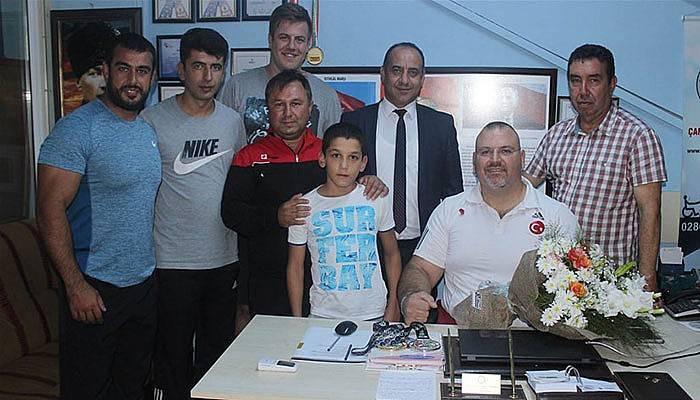 Bektaş ve Erdil'den Dünya Şampiyonuna Ziyaret