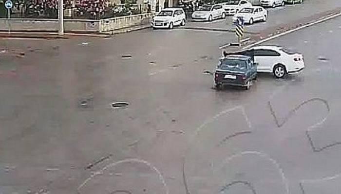 Çanakkale'deki kazalar, mobese kameralarında (VİDEO)