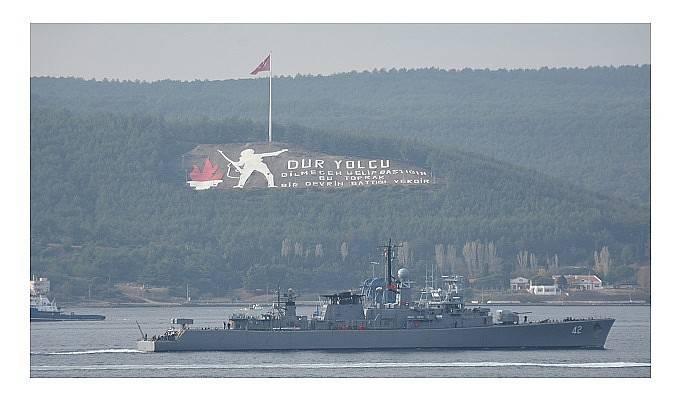 Bulgar savaş gemisi 'Verni' Çanakkale Boğazı'ndan geçti (VİDEO)