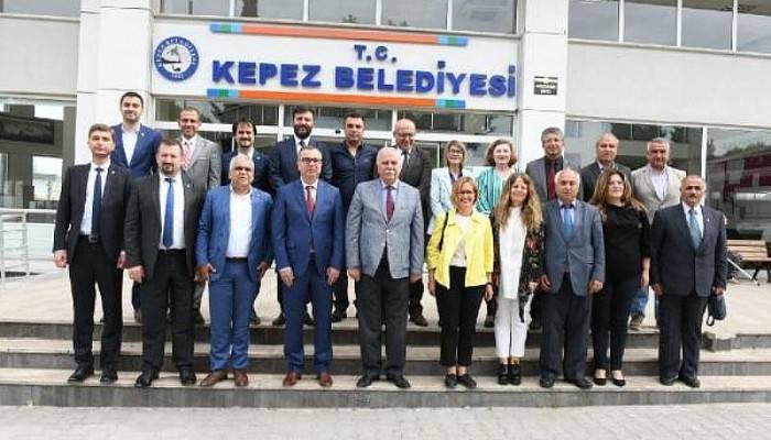Başkan Gökhan, CHP'li Belediye Başkanlarını Ziyaret Etti