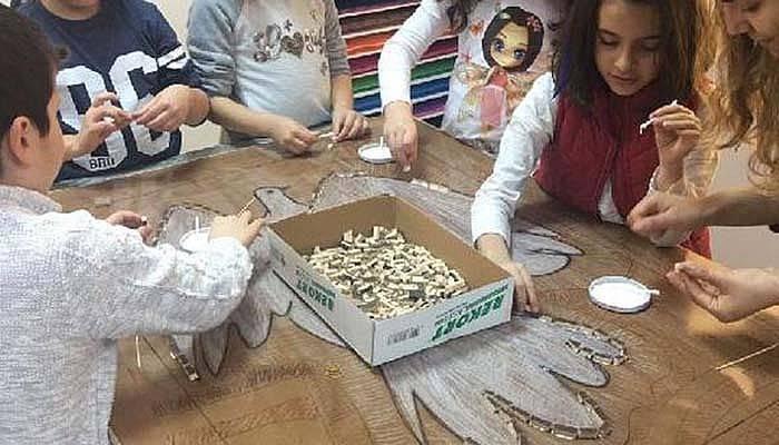 Mozaik sanatını uygulamalı öğrendiler