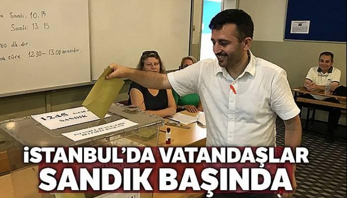 İstanbul'da vatandaşlar sandık başında