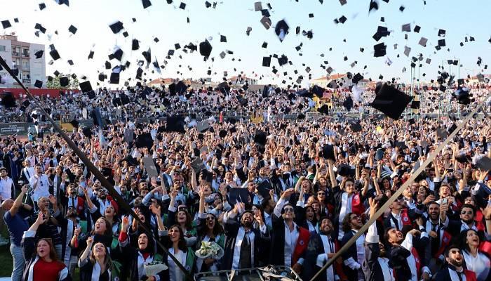ÇOMÜ'de mezuniyet coşkusu (VİDEO)