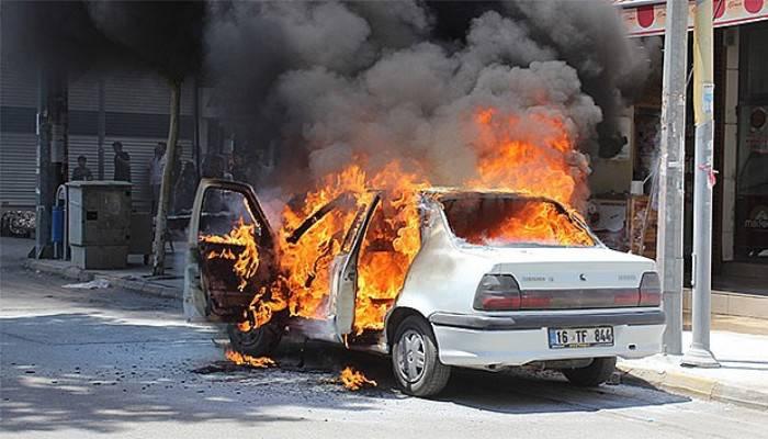 LPG'li otomobil alev topuna döndü