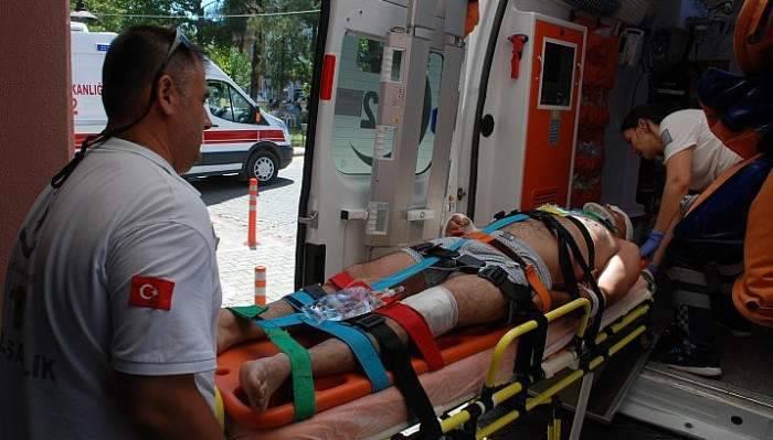 Temizlik aracından düşen işçi yaralandı