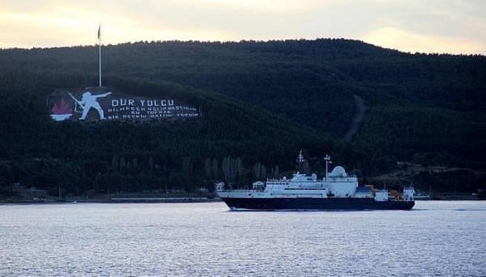 Rus casus gemisi Çanakkale Boğazı'ndan geçti (VİDEO)