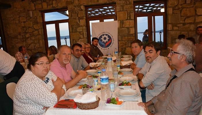ÇTSO Eceabat Üyeleri İftar Yemeğinde Bir Araya Geldi