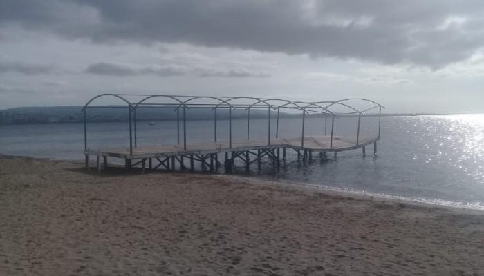 Ahşap iskele çökme tehlikesi ile karşı karşıya
