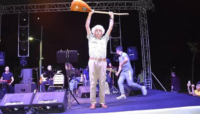 Özgürlük Parkında 'Özgürlük Türküleri' Yankılandı