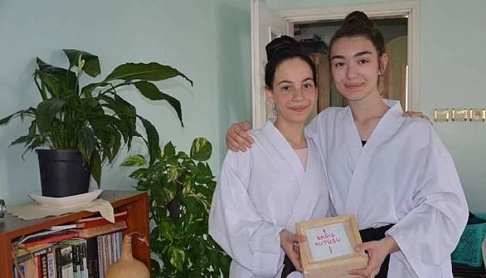 Karateciler, Dünya Şampiyonası'na gidebilmek için para topluyor