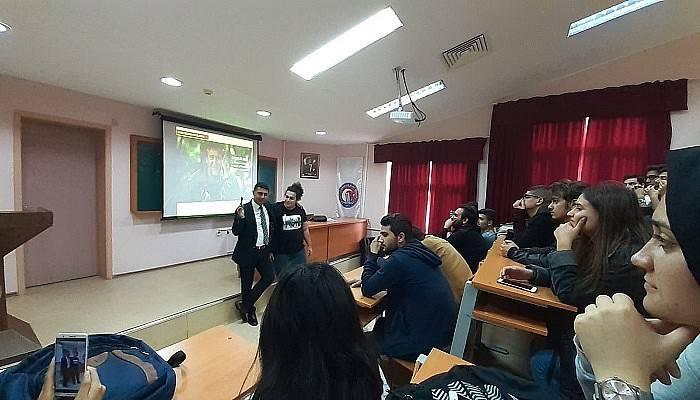 Usta muhabir ÇOMÜ'de derse telefonla bağlandı
