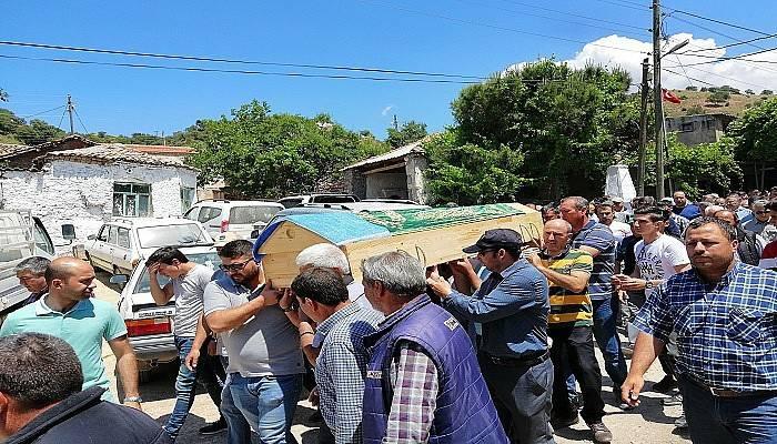 Ayvacık'ta denizde boğulan lise öğrencileri toprağa verildi