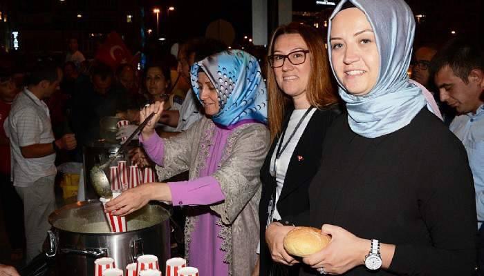 Kevser Turan, Demokrasi Nöbetinde Çorba Dağıttı