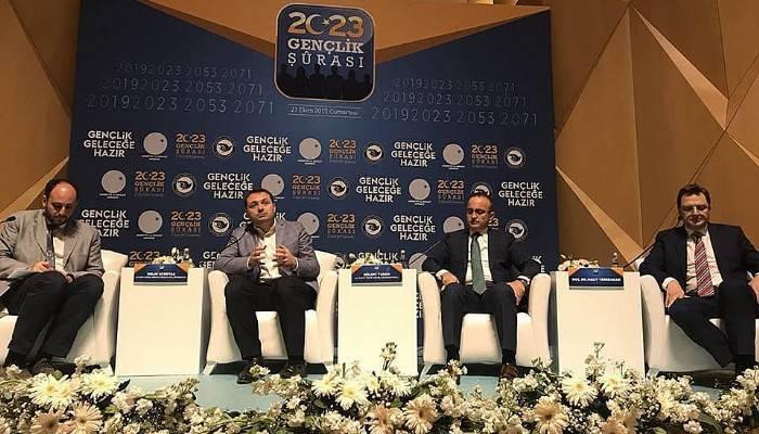 Bülent Turan AK Partinin ''Türkiye'de Gençlik Siyaseti ve AK Parti'' Şurasında Konuştu