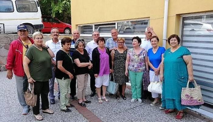 Ayvacık'ta, ilkokul arkadaşları 58 yıl sonra buluştu (VİDEO)