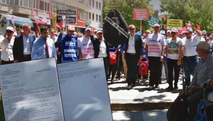 Bayramiç Belediyesi'nde İşçiler Mahkeme Kararı İle İşlerine Geri Döndü