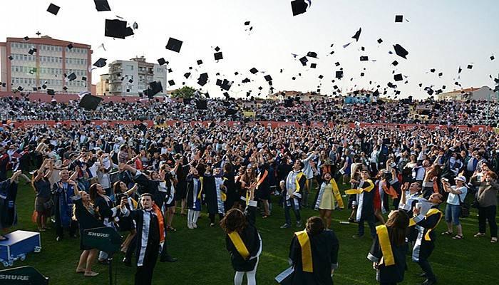 25'nci yılda yüz bininci mezun