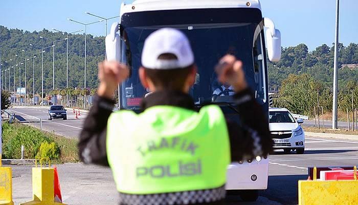 Jandarma ve Polisten Drone ile trafik uygulaması (VİDEO)