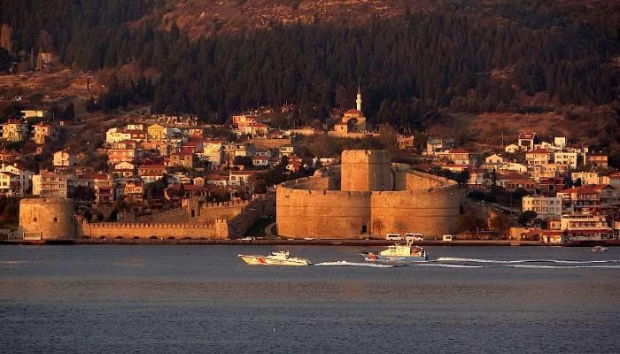 Bulgardevriye gemisi 'Krajmorje' Çanakkale Boğazı'ndan geçti