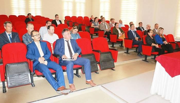 MİLLİ EĞİTİM PERSONELİNE 'ETİK DAVRANIŞ İLKELERİ' KONULU SEMİNER