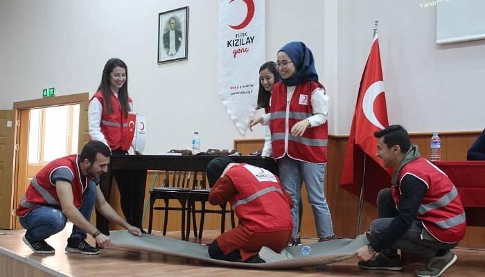 Genç Kızılay'dan deprem farkındalığı