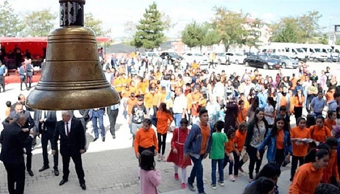 Okullar 9 günlük ara tatile giriyor: Karnesiz ara tatil