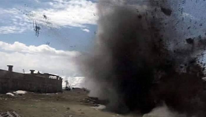 Afganistan'da el arabasında patlama: 1 ölü
