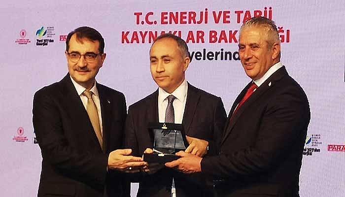 Enerji ve Doğal Kaynaklar Zirvesi'nde Limak Enerji'ye Ödül