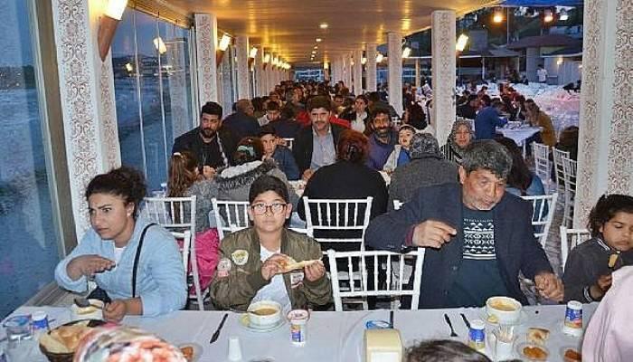 Gelibolu Belediyesi, personeline iftar verdi