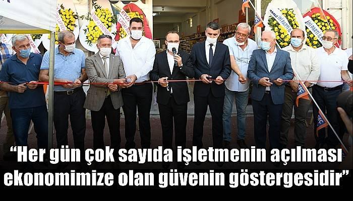 Turan, Lapseki'de bir iş yerinin açılışına katıldı