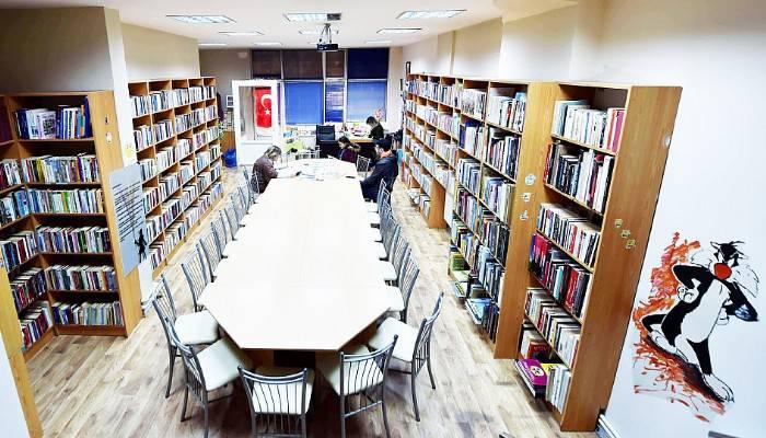 Barbaros Kütüphanesi'nde saatler değişti