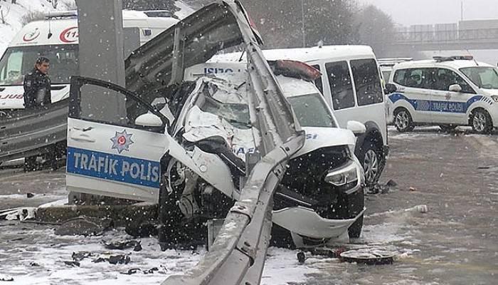 Feci kazada 3 polis yaralandı