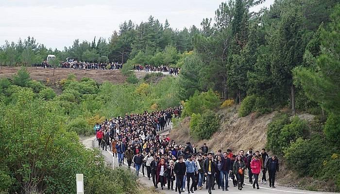 Çanakkale'de bin 300 öğrenciden şehitlik ziyareti