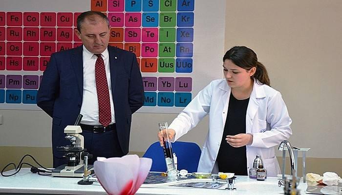 Biga Belediyesi Fen laboratuvarı açıldı