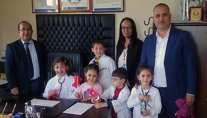 Lapseki Devlet Hastanesinde 23 Nisan kutlaması