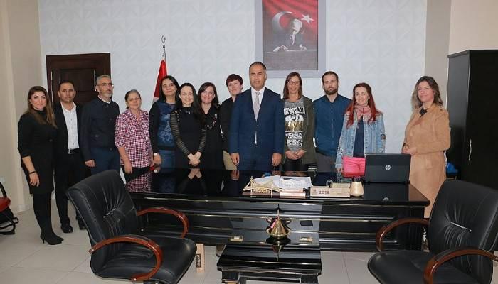 'Erasmus' proje ortakları İlçe Milli Eğitim Müdürü Erkan Bilen'i ziyaret etti