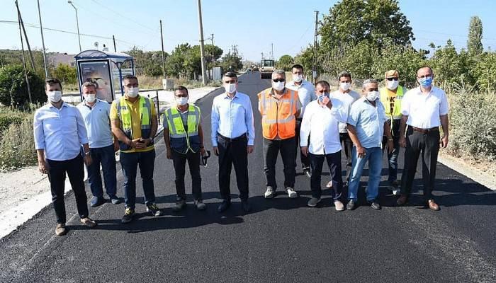 Lapseki'de sahil yolu asfaltlama çalışmaları tamamlanıyor