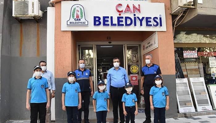 Çan Belediye Başkanı Öz, Minik Zabıtalar ile İşyerlerini Denetledi