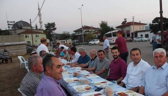 Belediye başkanı köyünde iftar verdi