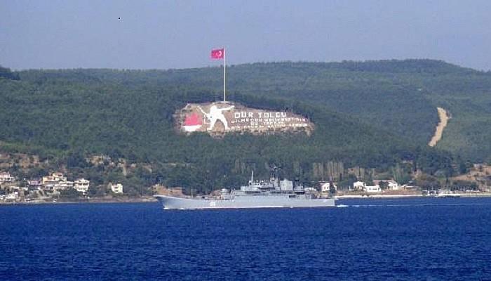 Rus Savaş gemisi Çanakkale Boğazı'ndan geçti(VİDEO)
