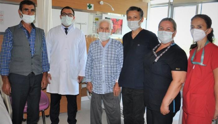 81 Yaşında Koroner By-Pass Ameliyatı Olan Hasta 6 Gün Sonra Taburcu Oldu