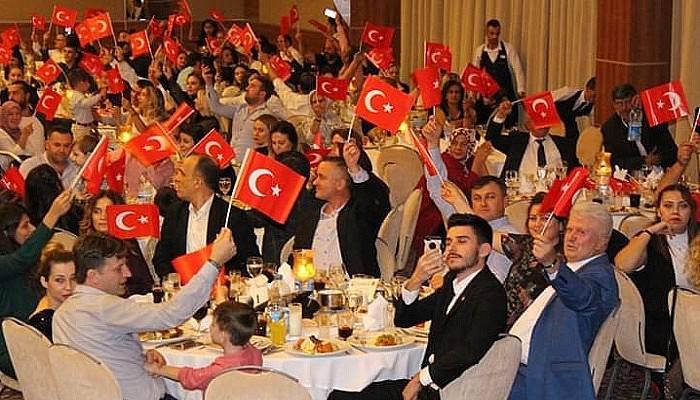 İzmir'deki Çanakkaleliler Muhteşem Gecede Buluştu
