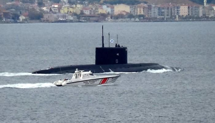 Rus denizaltısı, Çanakkale Boğazı'ndan geçti (VİDEO)