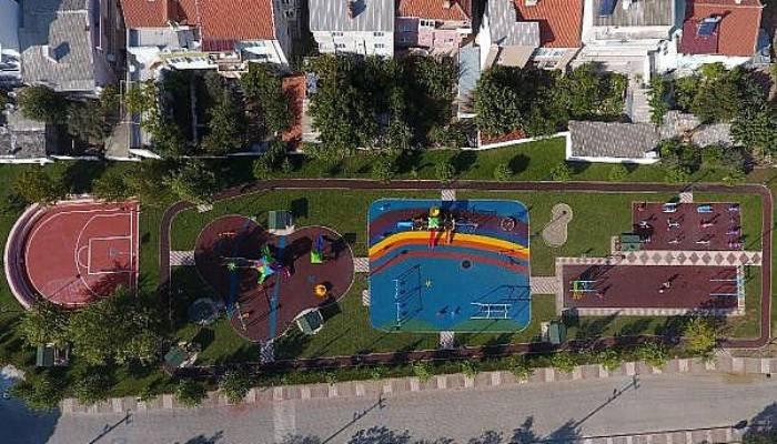 Bayramiç'te çocuklar için 22 oyun parkı yapıldı