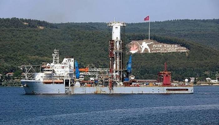 liberya-bayrakli-sondaj-gemisi-canakkale-bogazi-ndan-gecti