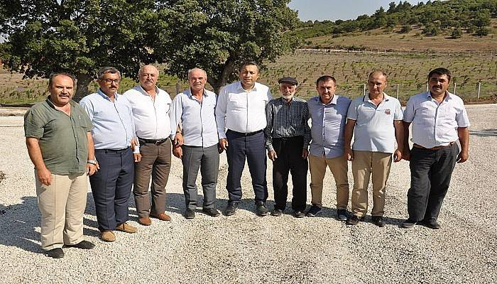 Köy yollarında asfaltlama çalışması devam ediyor